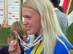 Sara Nordstrand tog VM-guld på rullskidor för juniorer i Tyskland. Foto: Privat