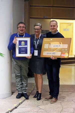 Vid en cermoni i Stockholm fick Hans Haggren, Marie Thorsander och Peter Elovsson   ta emot priset och utmärkelsen