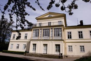 Haga slott i Solna ska enligt rykten ha varit en av många boplatser det första året i Stockholm