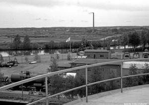 Högt upp. Bilden är tagen från en oljecistern i oljehamnen, vid dagens Naturens hus.