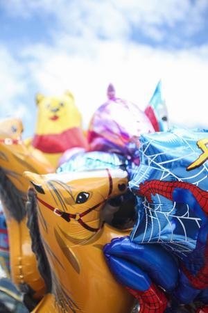 Heliumfyllda ballonger fanns också på marknaden.