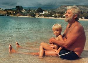 """Pappa och jag. Alex och Allan Schulman, på omslaget till """"Skynda att älska""""."""