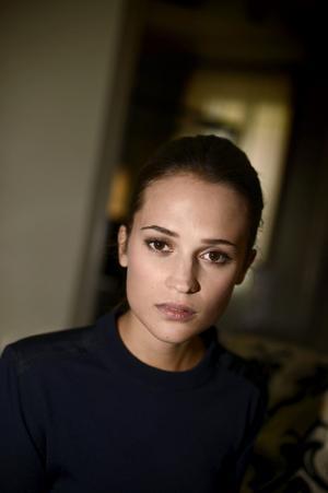 Alicia Vikander spelar en av huvudrollerna i