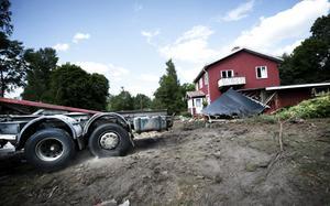 Familjen Blomkvist gård är inte sig lik längre.