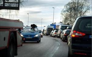 Stundtals stod trafiken genom Mora nästan stilla under Vasaloppsveckan. Särskilt på söndagarna och den första lördagen. Men inga allvarliga olyckor inträffade.FOTO: JENNIE-LIE KJÖRNSBERG