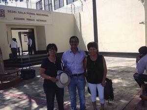 Angels advokat Nilda Nincopa, Angel Villaverde och hans fru Maria Vilca.