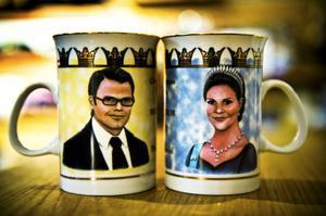 Dricka morgonkaffet ur en mugg med Daniel Westlings eller kronprinsessan Victorias porträtt?