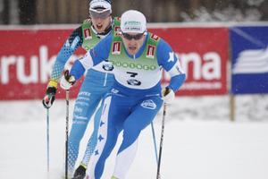 Teodor Peterson har sett stark ut. Mattias Peterson tror på honom inför lördagens sprinttävling.