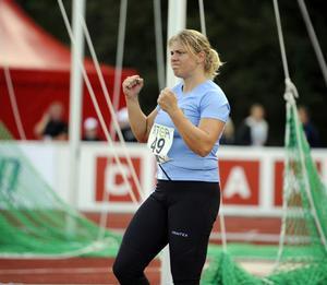 Där satt den - igen! Annika Petersson blev lite pressad i spjutfinalen – men kunde vinna sitt åttonde SM-guld.