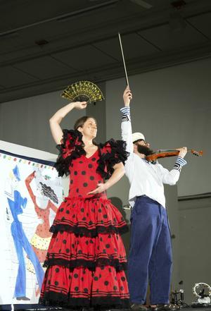 Sara och Olle af Klintberg i en eldig tango.