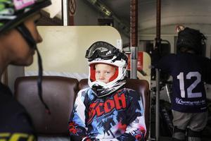 I åket innan vurpade 8-åriga Hugo Lantz.