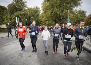 Deltagarna startade i Vasaparken och sprang längs Svartån och genom staden.