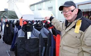 Bo-Göran Johansson sålde arbetskläder och gjorde goda affärer på höstmarknaden i Malung.