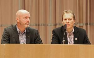 Det blir inte mer pengar till räddningstjänsten. Det var Jonny Gahnshag (S) och Abbe Ronsten (S) tydliga med. Foto: Curt Kvicker