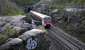 Region Gävleborg ska nu utreda i fall man i ett samarbete med Migrationsverket ska kunna erbjuda asylsökande gratis kollektivtrafik.