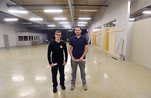 Här i de 1 200 kvadratmeter stora lokalerna, ska ett nytt gym byggas upp. Per Nordström, delägare i Active sportsclub och Jerker Larsson, Tuppz Topefa, tror gymmet kommer att dra fullt hus.
