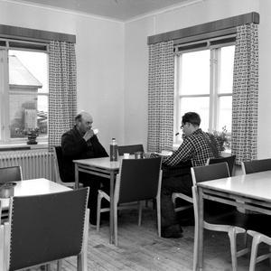 Nytt matrum i hamnen 1953. Åt du här?