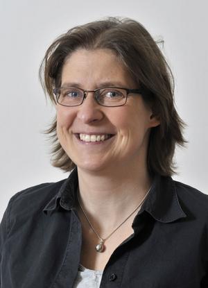 Professor Eva Mörk, född Johansson, och bördig från Söderhamn. Hon har varit med och vaskat fram årets Nobelprisvinnare i ekonomi.