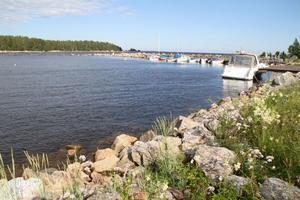 Klasudden i Sörfjärden, där det nu finns storslagna planer för sjöbodar, gästhamn och en restaurant.