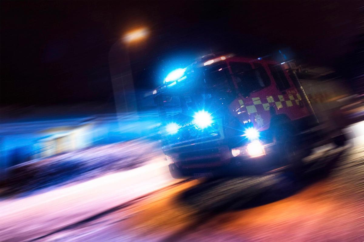 Nattens nyheter  En förd till sjukhus efter trafikolycka och rökfylld  lägenhet orsakade utryckning 277f339c6c65b