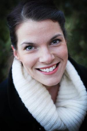 Anna-Karin Sahlin led själv av anorexi under sex år. Nu är hon helt frisk och mår bättre än vad hon gjorde innan hon blev sjuk.