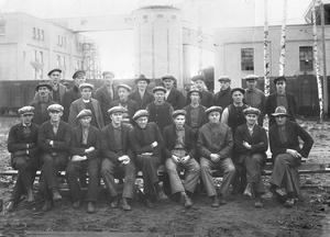 FRAMTIDSTRO. Ett av de första skiftlagen vid Kopparfors fabrik i Norrsundet 1926-1927. Bilden insänd av Karl-Otto Aspgren i Norrsundet.