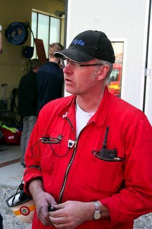 Stig Jonsson lämnar inte bara brandmannajobbet utan också alla sina tunga politiska uppdrag. Endast i fullmäktige sitter han kvar om väljarna vill. Nu ska han Plyfamedarbetaren ägna fritiden åt föreningslivet i Hassela .