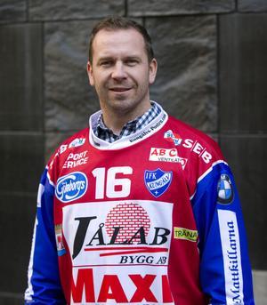 Tommy Österberg, här i Kungsälvströjan, är inte aktiv i bandyn just nu. Bild: Arkiv