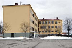 Gamla läroverket (Sävsbergsskolan) kan bli arbetsmarknads- och integrationsenhetens lokaler när Komvux flyttar till Torsbergsgymnasiet.
