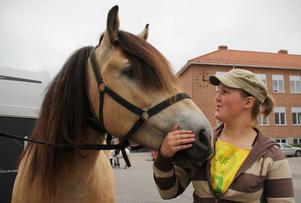 Ida Eriksson och den nordsvenska valacken Blondie har redan tävlat färdigt.