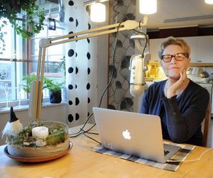 I dag föreläser AnnKatrin Noreliusson om familjens olika npf-diagnoser.