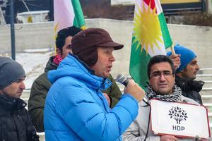 Stig-Erik Johansson från Kommunistiska partiet anmälde sig som talare och gav kurderna och HDP sitt stöd.
