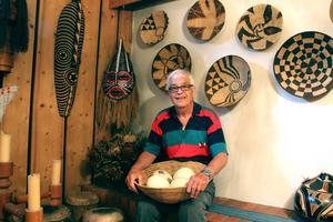 Gunnar och Ann-Maries villa i Gävle har efter elva år i Afrika formats till ett museum. De har efter varje visit rest hem med stora packningar fyllda med  afrikansk konst och prydnader. Gunnar har en särskild kärlek för masker.