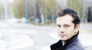 Peter Törnberg måste operera näsan och missar kvällens hemmamatch mot Vänersborg.