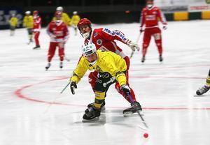 Jonas Pettersson bommade en straff – men tre spelmål mot Nitro/Nora räckte för att Ljusdals toppforward skulle hålla undan och ta hem den allsvenska skytteligan.