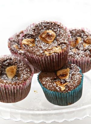 Kladdiga och goda chokladmuffins att njuta av.