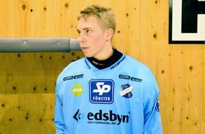 Edsbyns målvakt Henrik Karlström attackerades av en björn.