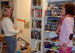 Läslustan är bokhandelns egen bokklubb. Deltagarna lånar och läser böcker och sköter utlåningen själva.