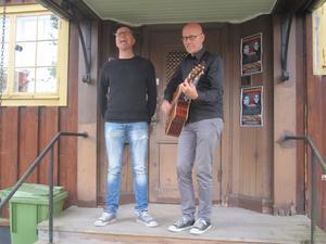 Tvillingarna Rongedal tar ton. Den 28 september hyllar de ikonen David Bowie tillsammans med Sandvikens Symfoniorkester och Forsbacka Kammarkör.