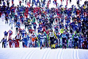 Vasaloppet tvingas rea ut startplatser till de kortare loppen under vinterveckan.
