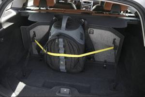 Om baksätet fälls i V60 blir lastgolvet nästan helt plant och den totala bagagevolymen blir 1 241 liter om du lastar mot taket.