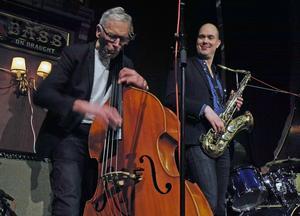 Jazzbandet Falänge 4 uppträder på Borlängebandens firmafest på Galaxen.