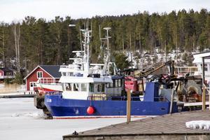 Vid samma brygga ligger ytterligare två båtar, från ännu nordligare breddgrad: Haparanda och Luleå.