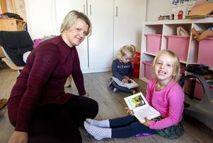 Johanna Källberg startade en protestsida på Facebook mot vikariestoppet i Sundsvalls kommun. Sidan