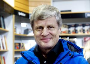 Ulf Näslund, 64, Timrå:                  – En roman, Tamara McKinleys