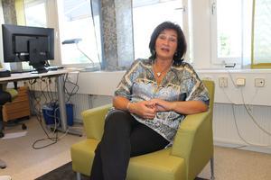 Kommundirektör Ulla-Marie Hellenberg i sitt tjänsterum på kommunhuset.