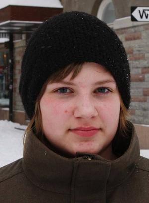 Karolina  Johansson, Önsta:– Sällan. Jag åker  skidor  i Bydalen, jag har väldigt nära dit.