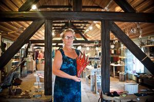 Helena Eriksson, hantverkarel som jobbar i butiken när FP åker ut till Abrahamsgården.