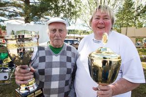 Göte Sandbäck och Anki Hedberg tog hem yxkastningstävlingen. Båda har vunnit en gång tidigare, vid nästa seger får de behålla bucklan.