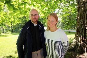Präst Rickard Borgenback och diakonassistent Anna Gredander säger till GD att gärna skulle göra mer för ensamma äldre och att de gärna tar emot tipps på ideella initiativ för att öka gemenskapen.